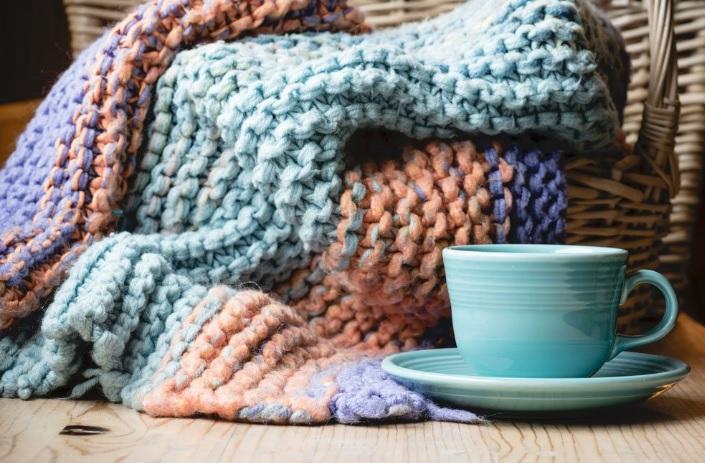 Sıcacık tutacak örgü battaniye