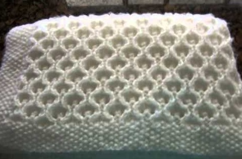 Yünlü bebek battaniyesi