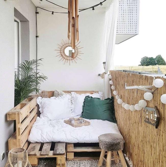 Yataklı Balkon Dekorasyonu