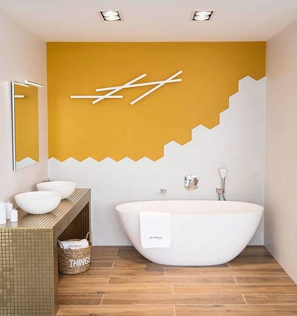 Sarı Beyaz Banyo Dekorasyonu